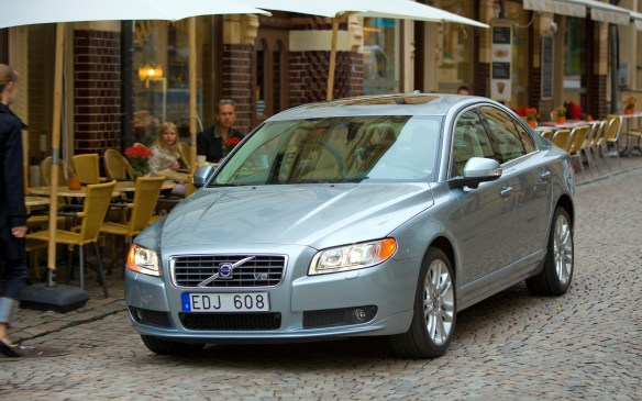 <p>Almost forgotten atop Volvo's sedan lineup, with little attention for several years as the brand was rebuilding, the S80 is being replaced by an all-new model – with a different name. Farewell S80 – all hail the new S90.</p>