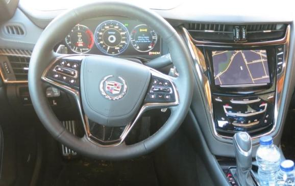 2014 Cadillac CTS - steering wheel and instrument panel