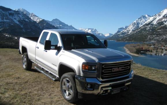 <p><strong>Highest-ranked Large Heavy-duty Pickup: GMC Sierra HD.</strong></p> <p>Runner-up: Chevrolet Silverado HD. No other model in the segment outperformed the segment average.</p>