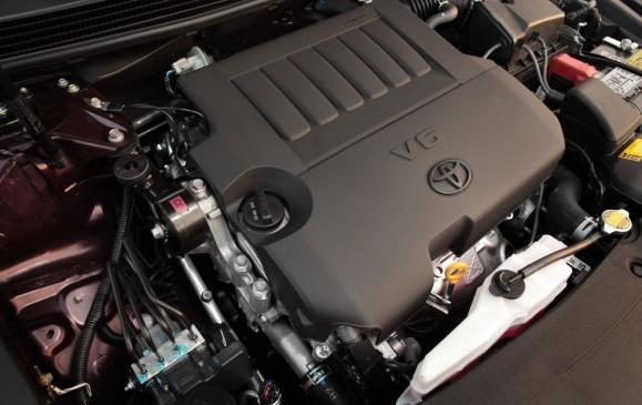 2013 Toyota Avalon - engine