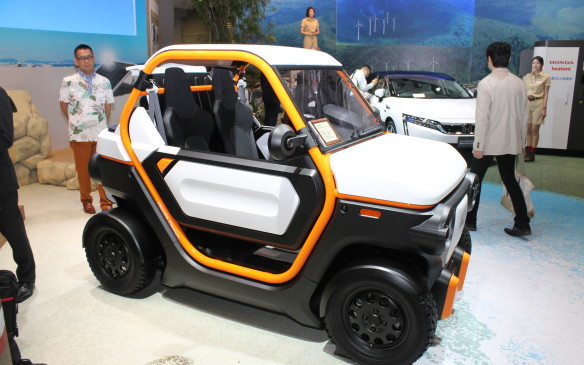 <p>Honda's MBEV (Mobile Battery Electric Vehicle) concept is an ultra compact electric car designed for crowded city streets.</p>