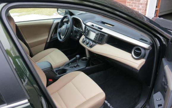 2013 Toyota RAV4 - front seats