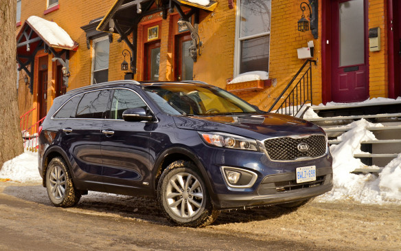 <p><strong></strong>In spite of a refresh for 2016, sales of the Kia Sorento SUV fell by 17.9% to 3,204 vehicles in Q1,  leaving it #27 on our list.</p>