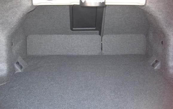 2012 Suzuki Kizashi - trunk