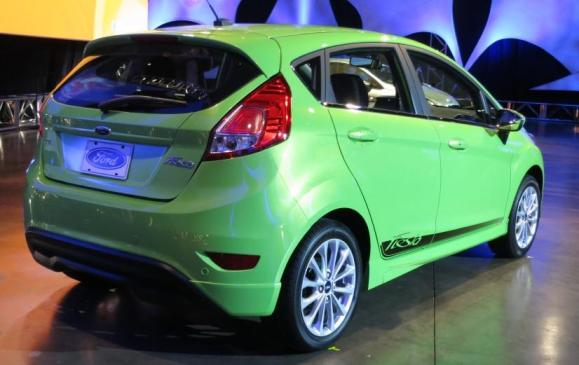 2014 Ford Fiesta 1.0 EcoBoost - rear 3/4 view