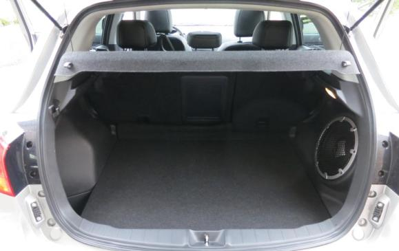 2013 Mitsubishi RVR - cargo area seatbacks up