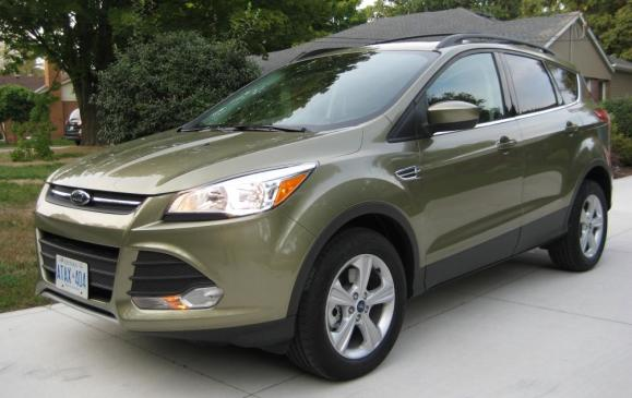 2013 Ford Escape - front 3/4 view low