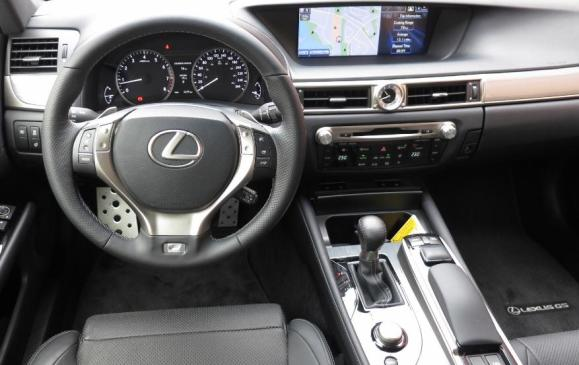 2013 Lexus GS350 F-Sport - steering wheel & instrument panel