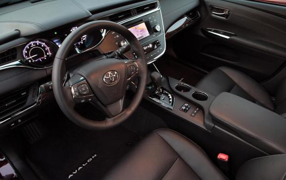 2013 Toyota Avalon - instrument panel and steering wheel