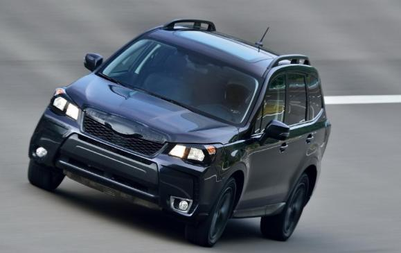 2014 Subaru Forester - front 3/4 view motion camouflage track