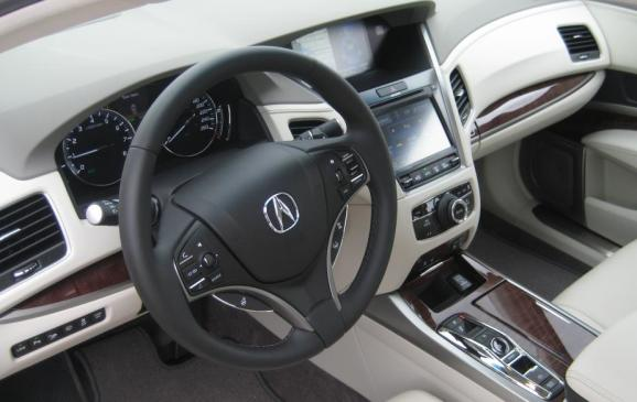 2015 Acura RLX - steering wheel and centre stack