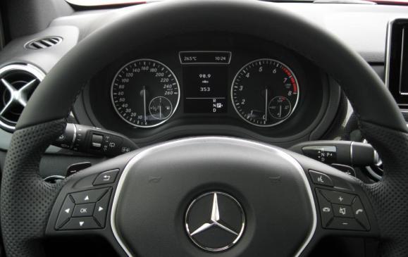 2013 Mercedes-Benz B-Class (B250)