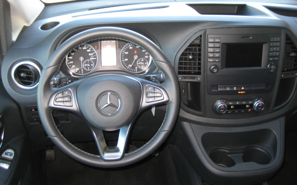<p>2016 Mercedes-Benz Metris</p>