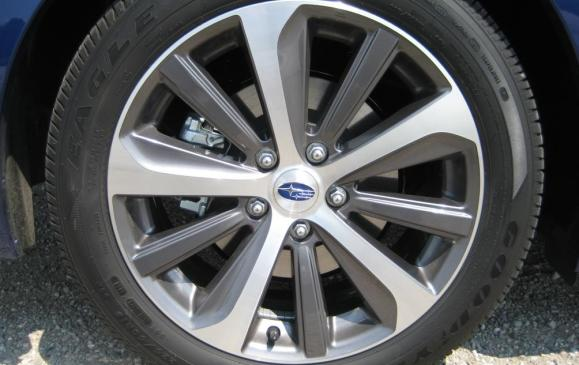 2015 Subaru Legacy - front wheel detail