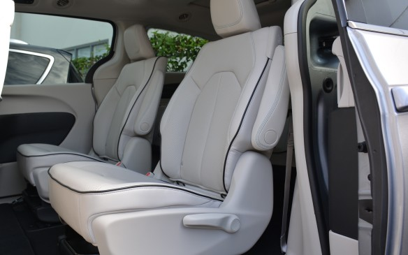 """<p>The Hybrid's features a teal colour theme on the inside. Chrysler is calling it """"Ice Cave,"""" with ice blue stitching on the seats, which goes well with the dominant black and white alloy colour scheme.</p>"""