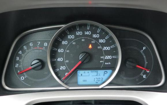 2013 Toyota RAV4 - instrument cluster