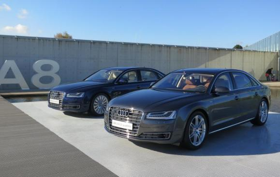 2015 Audi A8 - two models side by each