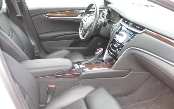 2013 Cadillac XTS - front seats