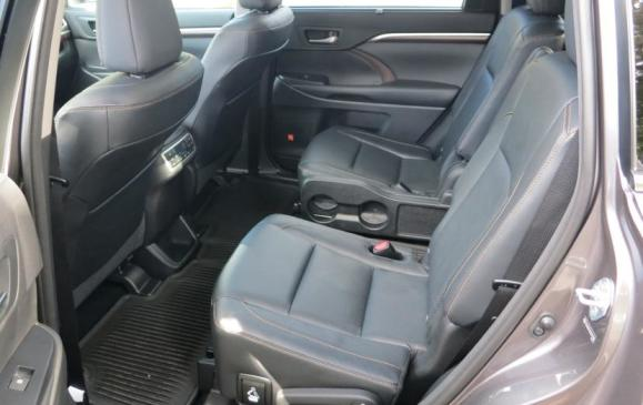 2014 Toyota Highlander - back seats