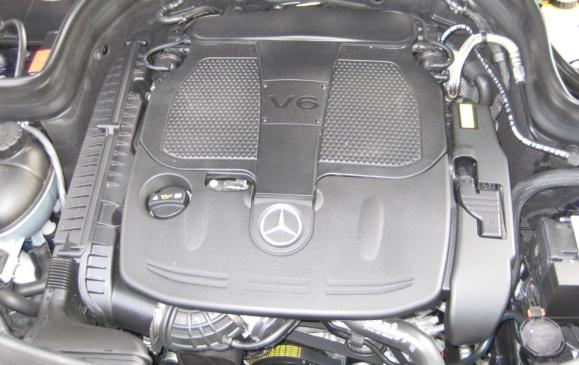 2013 Mercedes-Benz GLK 350 - engine compartment