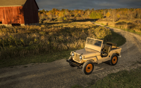 <p>The CJ-2A added a tailgate, larger headlights and a side-mounted spare tire, and had a better gearbox, as well as full-floating Dana front and rear axles. It was intended for work on farms and construction projects.</p>