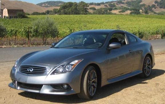 2011 Infiniti G37 IPL Coupe - front 3/4 view