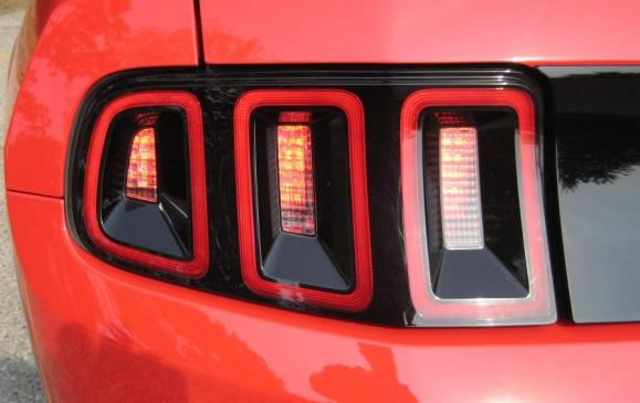 2013 Ford Mustang GT convertible - taillight