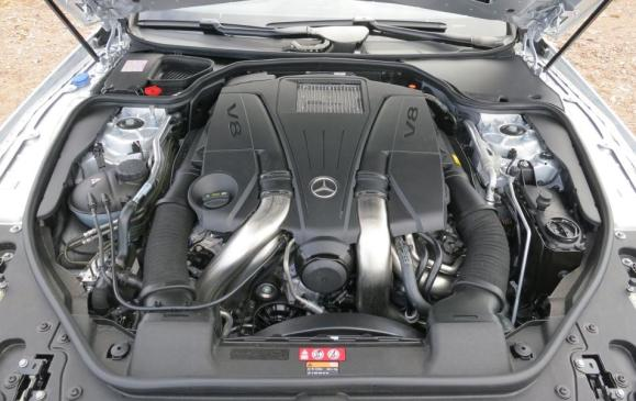 Mercedes-Benz SL 550 - engine