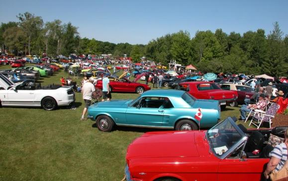"""<p><strong>June 6-7</strong><strong> – </strong>It's the ultimate two-day auto event drawing thousands of classic cars and fans from across Ontario and the U.S. to this sprawling110-acre private estate in London with four stone homes, ponds, bridges, fountains, a 10,000-square-foot showroom of memorabilia and an 8,000-square-foot<a href=""""http://www.fleetwoodcountrycruizein.com/2015.html"""">Cadillac Salon.</a></p>"""