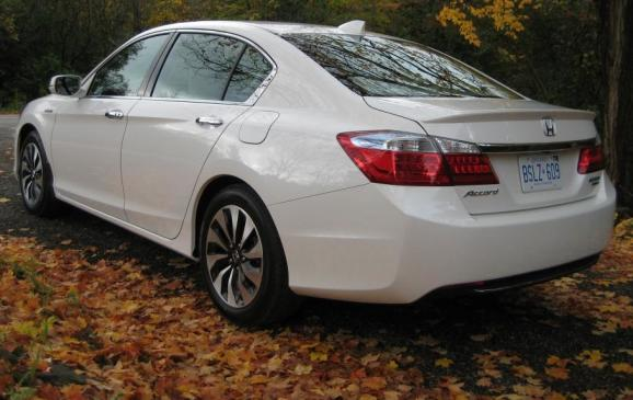 2014 Honda Accord Hybrid - rear 3/4 view low