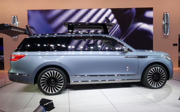 <p>This potential successor to Lincoln's greatest hit of the Modern Era is at once angular, massive and unquestionably elegant in side view, a tour-de-force first achieved by the aristocratic Range Rover.</p>