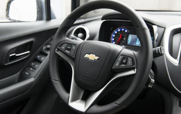 20123 Chevrolet Trax - steering wheel