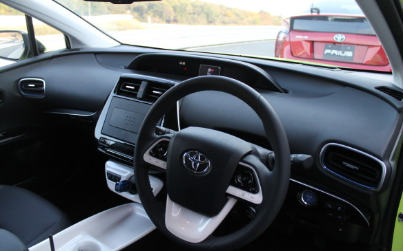 <p>2016 Toyota Prius</p> <p>Photo by Mark Richardson for Autofile.ca</p>