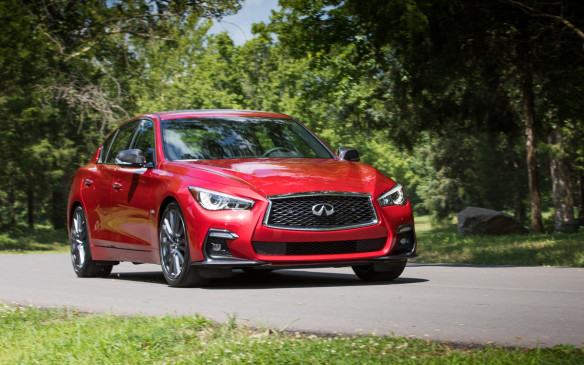 <p><strong></strong>There haven't been many changes to the Q50 this time around, with only subtle revisions to the cabin and the outside design. The most significant changes are in the packaging of the trim levels and in keeping the sensor technology up to date, as well as tweaks to the car's driving ability.</p>