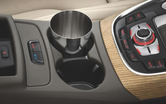 2012 Audi Q5 - temp-controlled drink holders