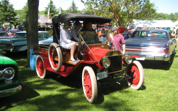 <p>This Model T pickup looks like it just rolled off the assembly line.</p>