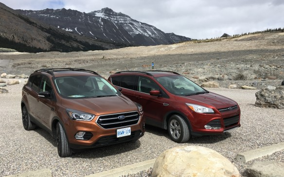 <p>While the overall shape of the 2017 Escape differs little from the previous model (right), several changes are obvious. The front end has been freshened by replacing the grille with a bold new trapezoidal design, while the lower fascia and fog lamps have been revamped to complement the new grille, which is flanked by redesigned headlamp assemblies.</p>