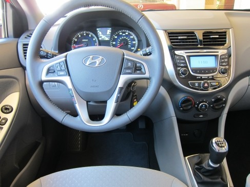 2012 Hyundai Accent 5dr inside view