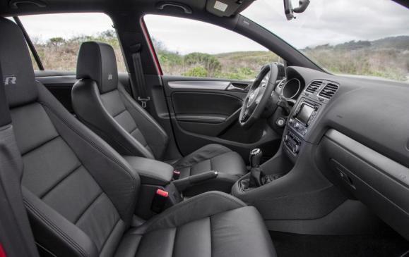 2012 Volkswagen Golf R - front seats