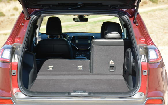 <p>Many automakers have been offering a hands-free liftgate and that becomes a feature for the 2019 Cherokee as well, at least at the Limited trim level. It can be activated through an upward kicking motion to open and close.</p>