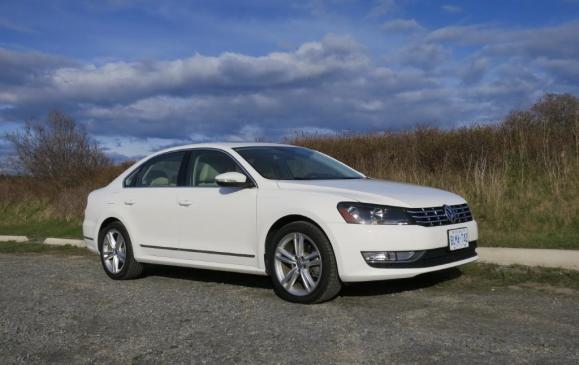 2012 Volkswagen Passat - Front