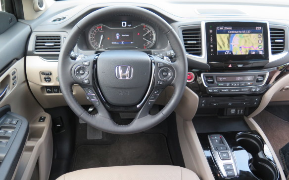 <p>2016 Honda Pilot</p>