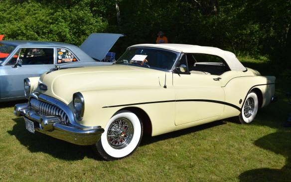 <p>1953 Buick Skylark Convertible</p>