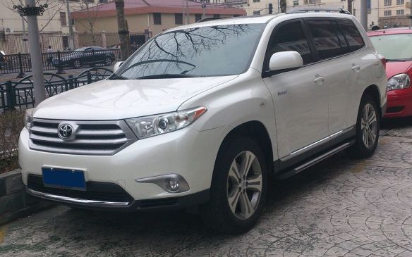 <p>Sixth on the Ontario list was another relatively new model, the 2013 Toyota Highlander SUV in AWD form.</p>