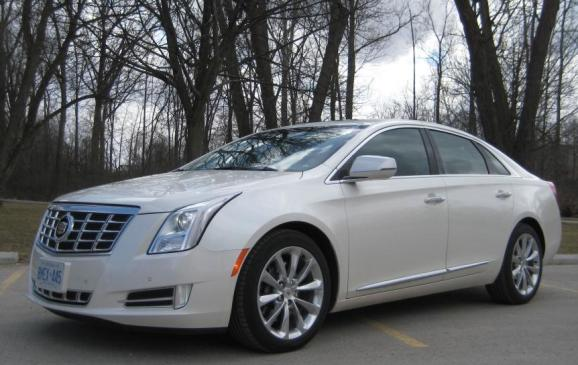 2013 Cadillac XTS - front 3/4 view