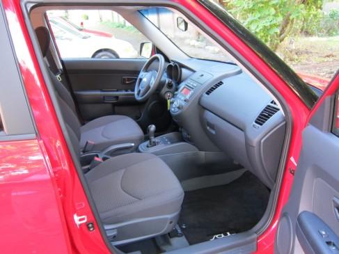 2012 Kia Soul front seat