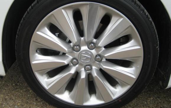2015 Acura RLX - wheel