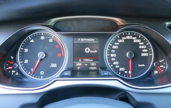 2013 Audi A4 - Instrument panel gauge cluster