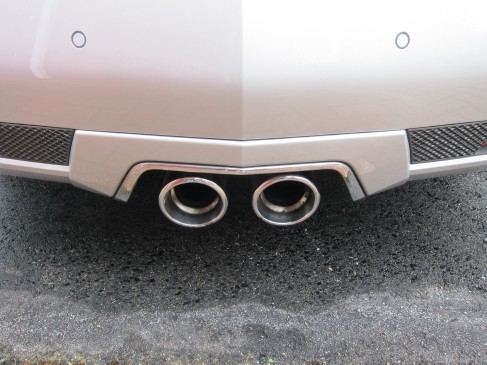 2011 Cadillac CTS V coupe pipes