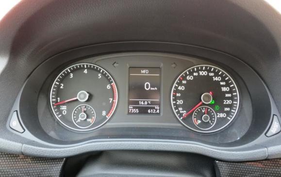 2012 Volkswagen Passat - Instrument Cluster